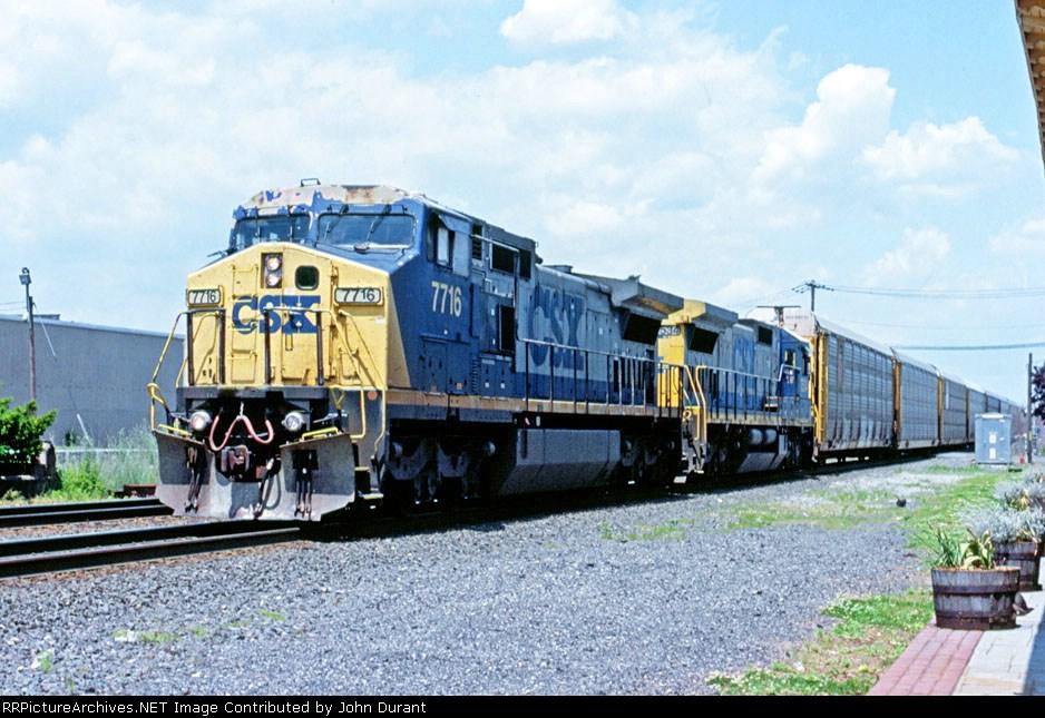 CSX 7716 on Q-254