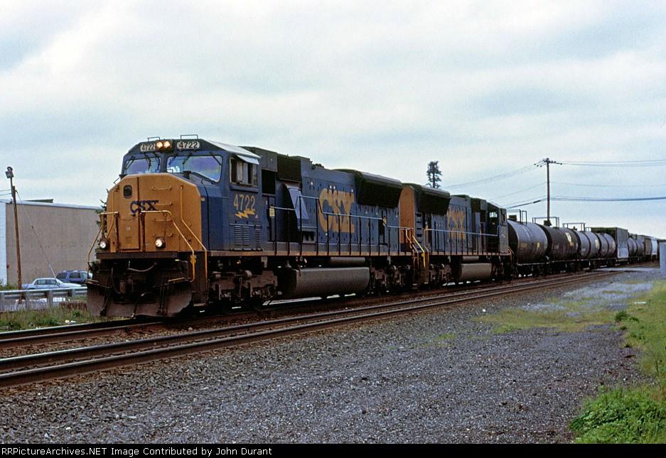 CSX 4722 on Q-409