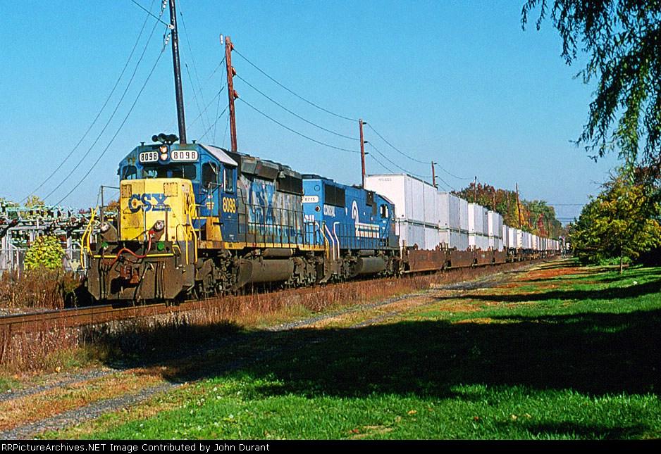 CSX 8098 on Q-110
