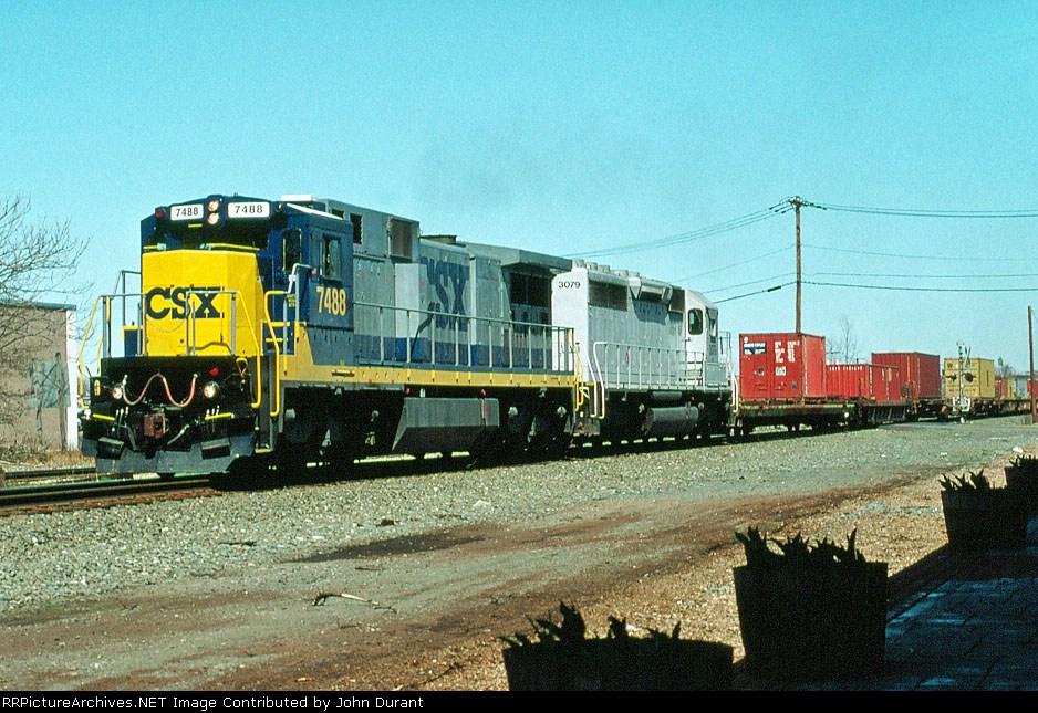CSX 7488 on Q-112