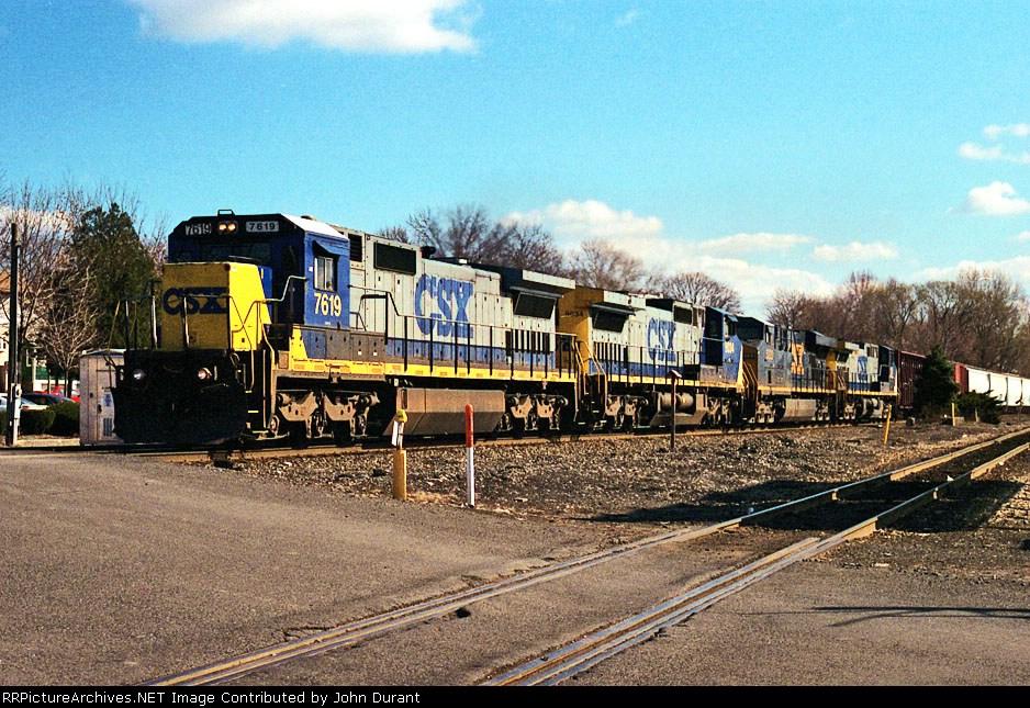 CSX 7619 on Q-434