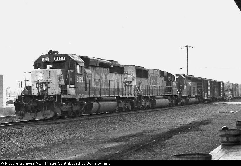 CSX 8129 on Q-433