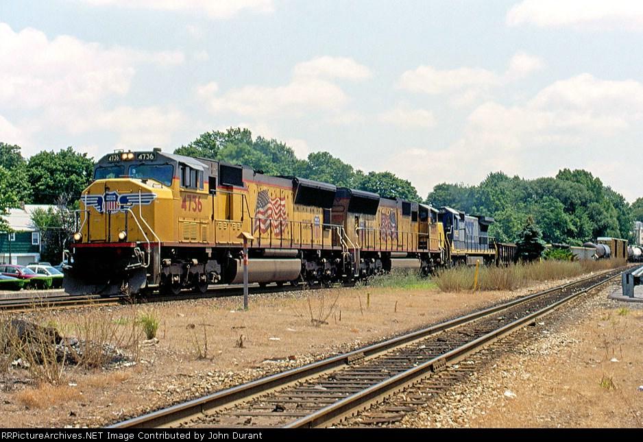 UP 4736 on Q-418