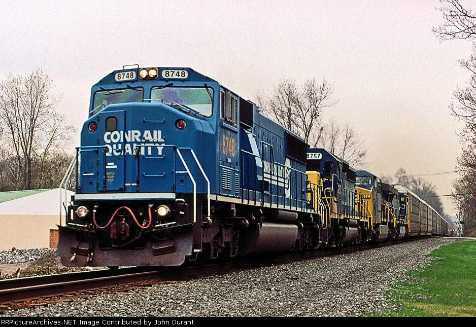 CSX 8748 on Q-254
