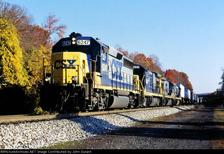 CSX 6247 on Q-135