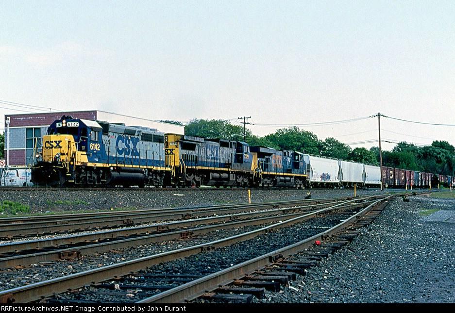 CSX 6142 on Q-434