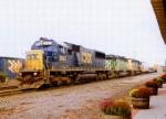 CSX 8663 on Q-417