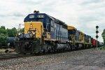CSX 8189 on Q-418