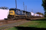 CSX 7637 on Q-110