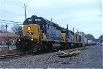CSX 8235 on Q-118