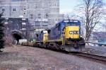 CSX 7551 on Q-164