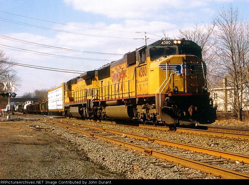 UP 4380 on Q-300