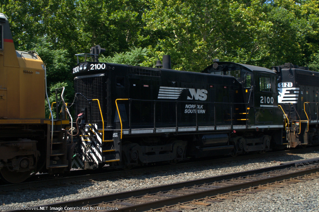 NS SW1001 2100 trails on 38G