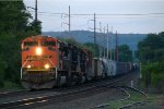 BNSF SD70ACe 9203 leads 35Q