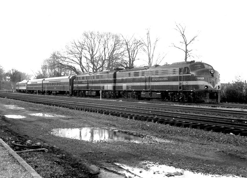 NYSW 2402 on 2001 Santa Claus Special