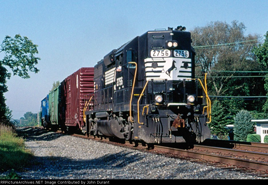 NS 2756 on H-47