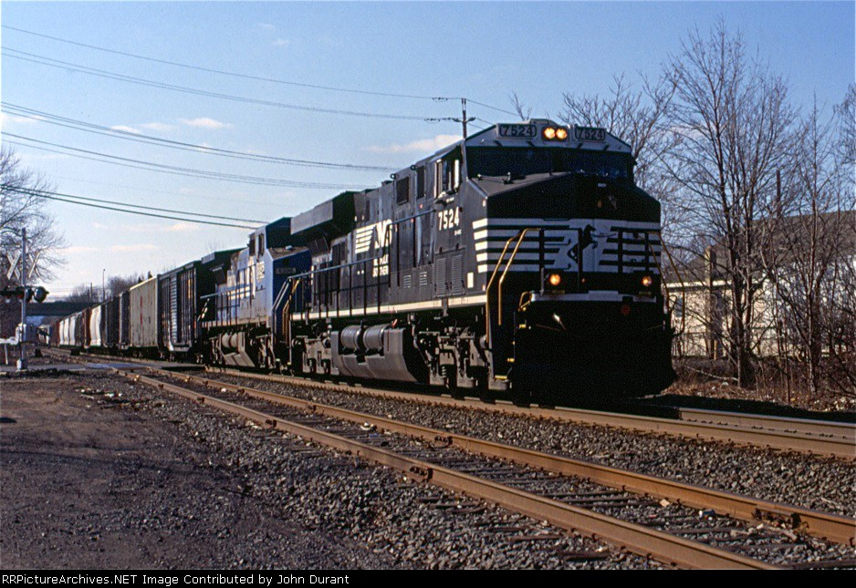 NS 7524 on 32A