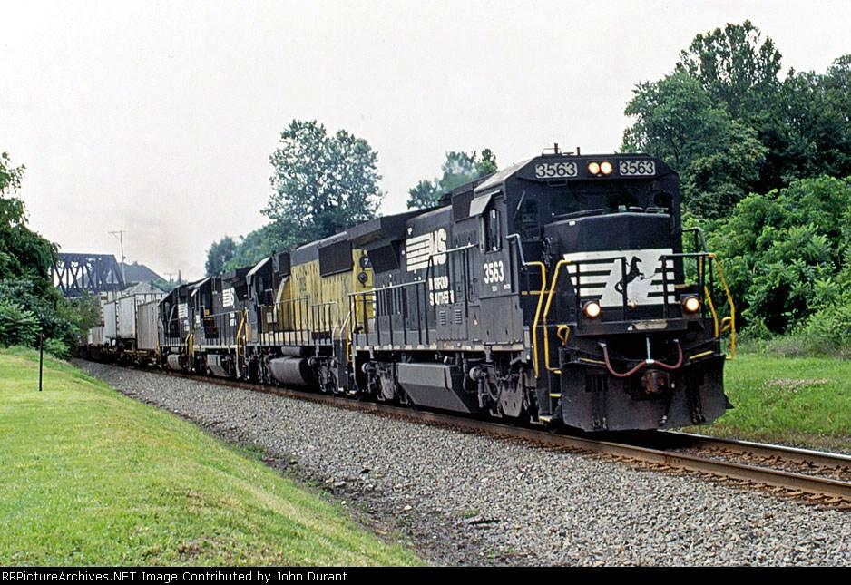 NS 3563 on 202