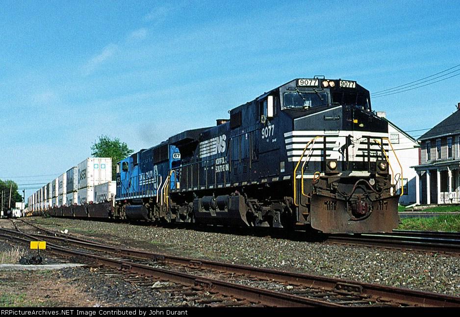 NS 9077 on 211