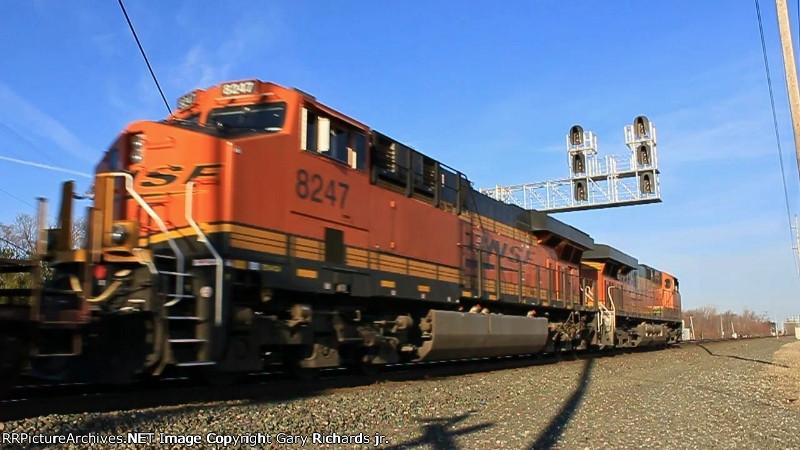 BNSF 8247 & 7820
