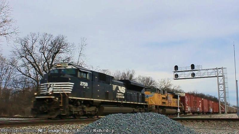 NS 2759 & UP 8355