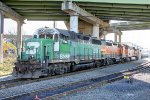 BNSF 2889, BNSF 2635 and BNSF 6126 idling under the Emerson Street overpass