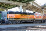 BNSF 2635 idling under the Emerson Street overpass