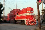 TMBL 2201 switching container cars into the North Intermodal Yard
