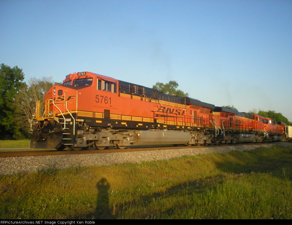BNSF 5761