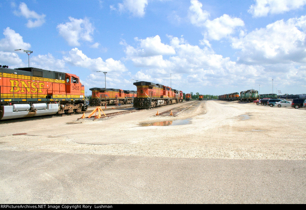 BNSF 5455, 4734, 5366 at Galesburg