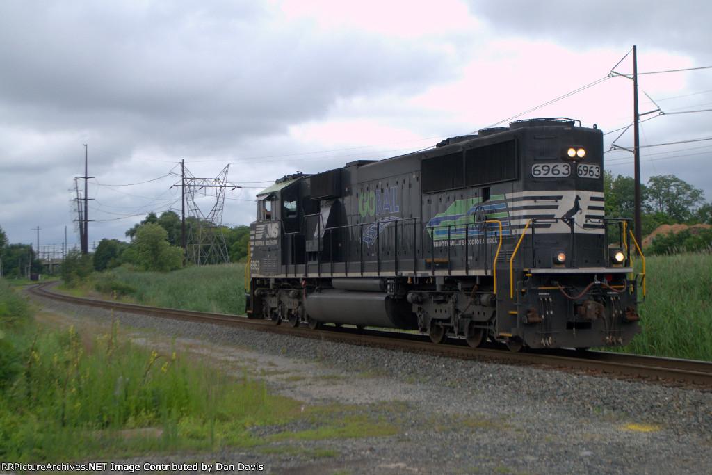 "NS SD60E 6963 ""GoRail"" on K52"