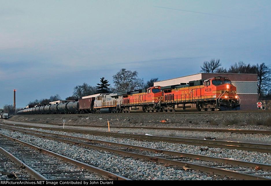 BNSF 4539 on K-142