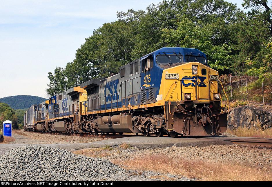 CSX 475 on Q-711