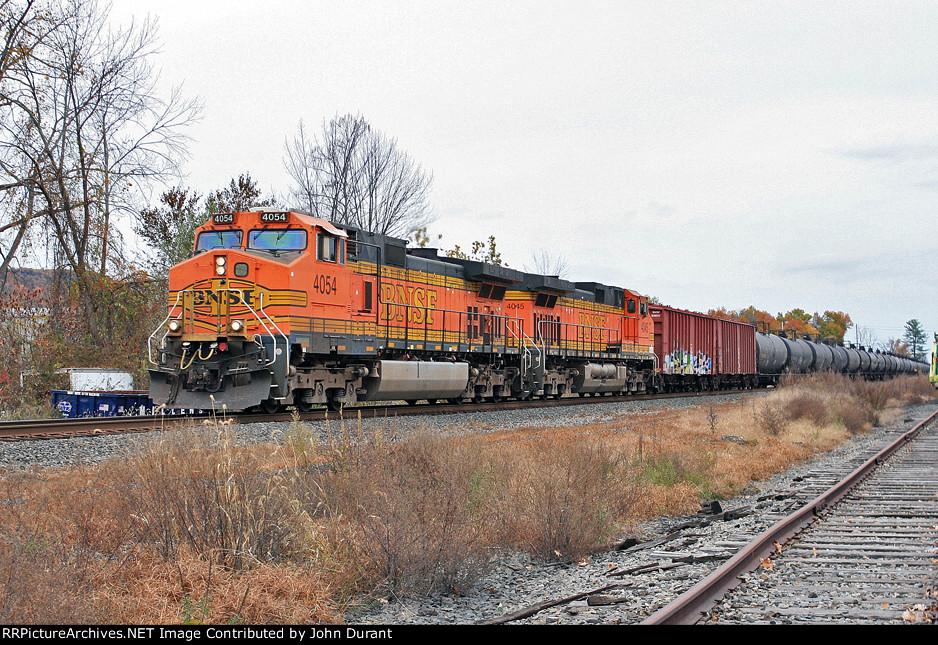 BNSF 4054 on K-654