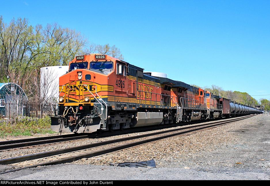 BNSF 4926 on K-042