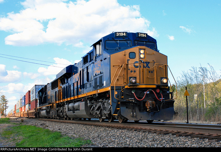 CSX 3194 on Q-114