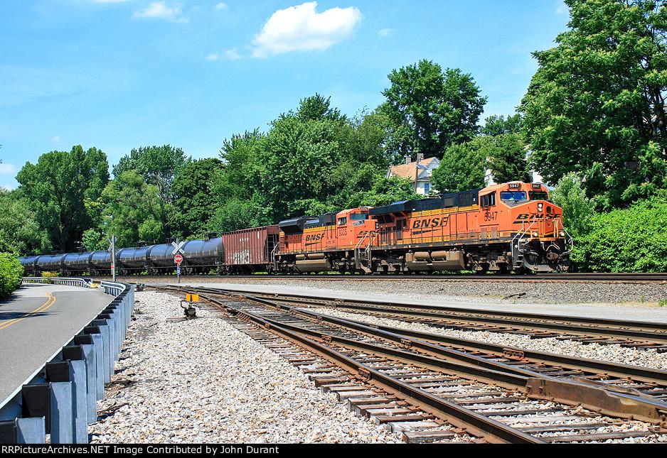BNSF 5947 on K-038