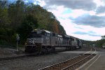 NS SD70M-2 2747 leads 10G