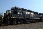 NS GP38-3 5828 trails on 10G