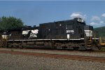 NS D9-40C 8835 trails on 21T