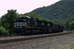 NS SD70ACe 1086 leads 591