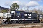 NS 3575 On The Local At Emory Gap Yard