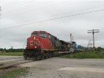 CN 2528 leads CN Train 102