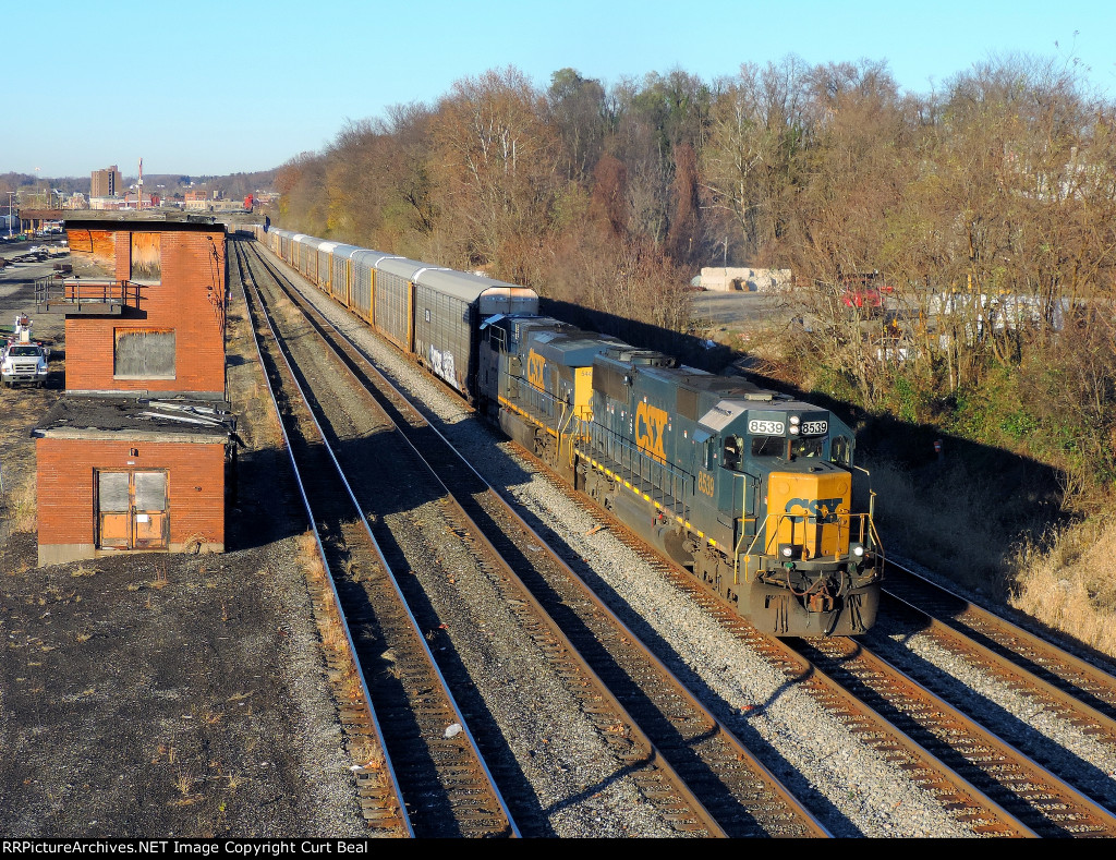 CSX 8539 and 5445