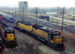 CNW SD45 #913 and CNW SD40-2