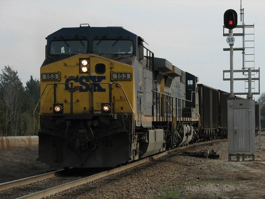 Mar 8, 2006 - CSX 153 leads N118-07