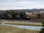 NS 8978 and CSX 707 on NS 165