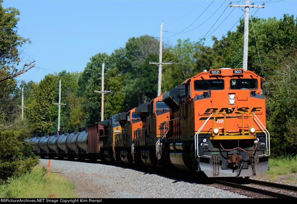BNSF 9021 CSX Train K038 Crude Oil Loads