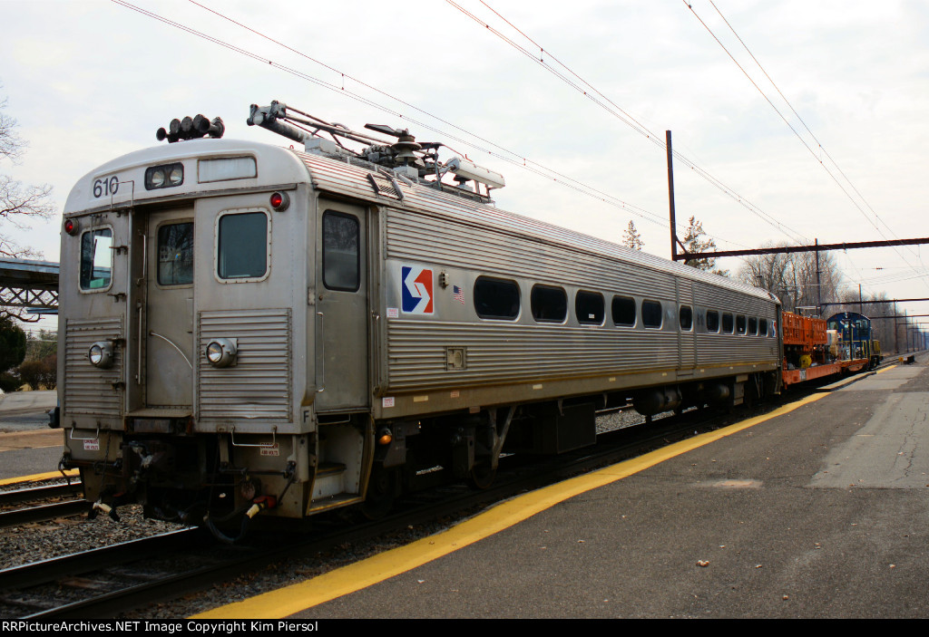 SPAX 610 SEPTA Wire Train