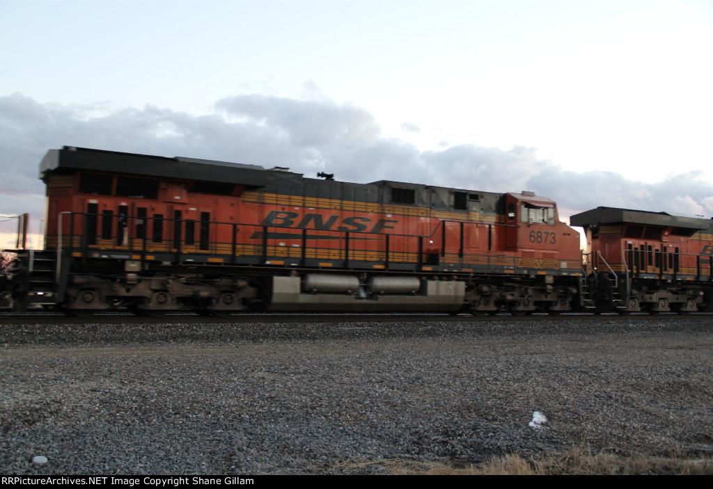 BNSF 6873